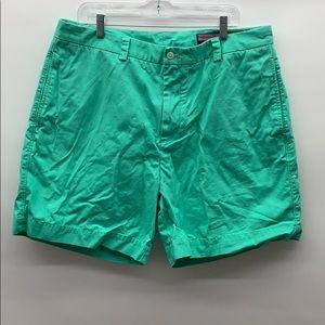 Men's vineyard vines bright green shorts size 38